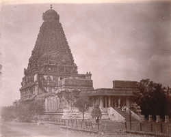 General view of main sanctuary and tower, with mandapa in foreground, of the Brihadishvara Temple, Thanjavur 10032434
